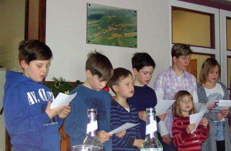 Adventsfrauenkreis mit Kaffee, Kuchen und Plätzchen im DGH Feldkrücken