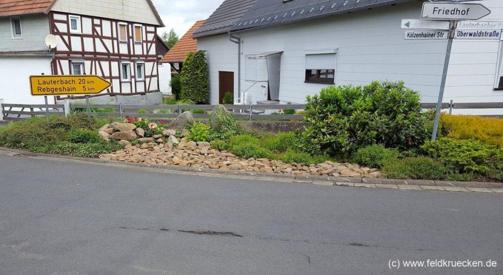 Verkehrsinsel Feldkrücken